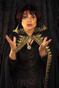 Nora Aceval – Conférence contée dans Biographie nora-aceval-conteuse-2006.-photo.b.rupin_-200x300